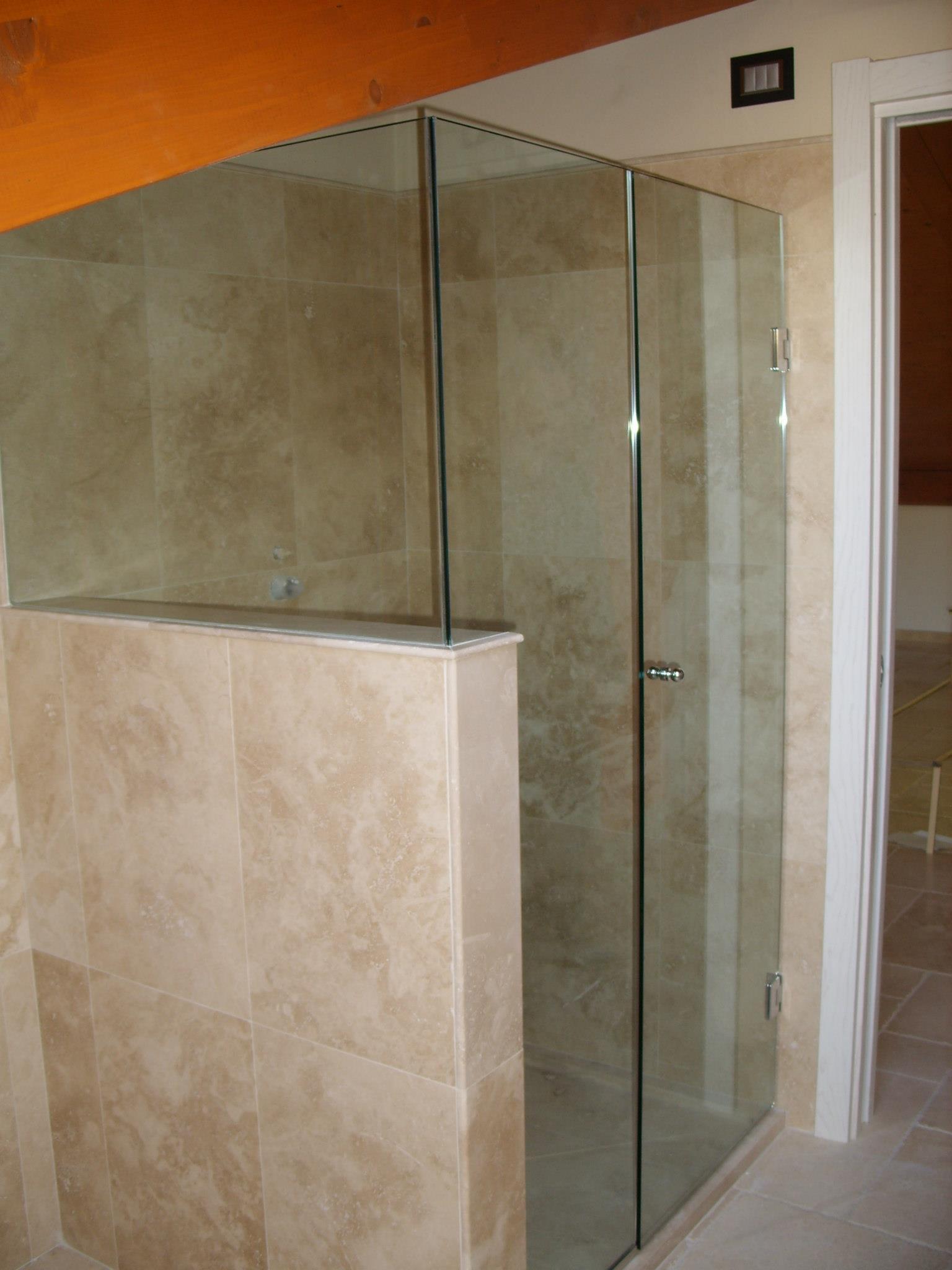 Box doccia apertura a battente ravenna vetreria pari - Box doccia rimini ...