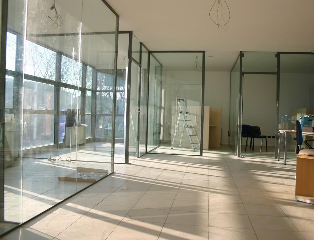 pareti in vetro-sistemi ad impacchettamento - vetreria a rimini ... - Pareti Vetrate Uffici
