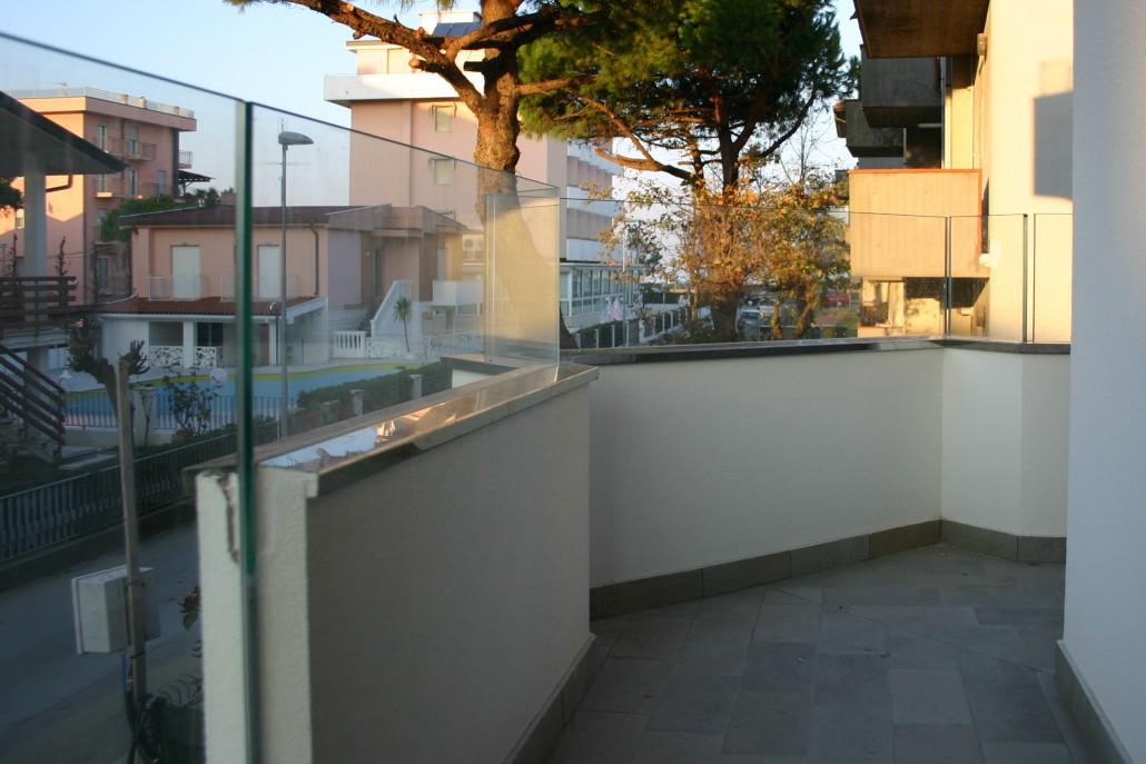 Parapetti-Balaustre-Balconi - Vetreria a Rimini   Vetreria Pari