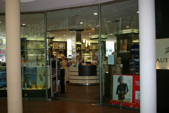 Vetrina negozio Rimini Hotel Le Meridien