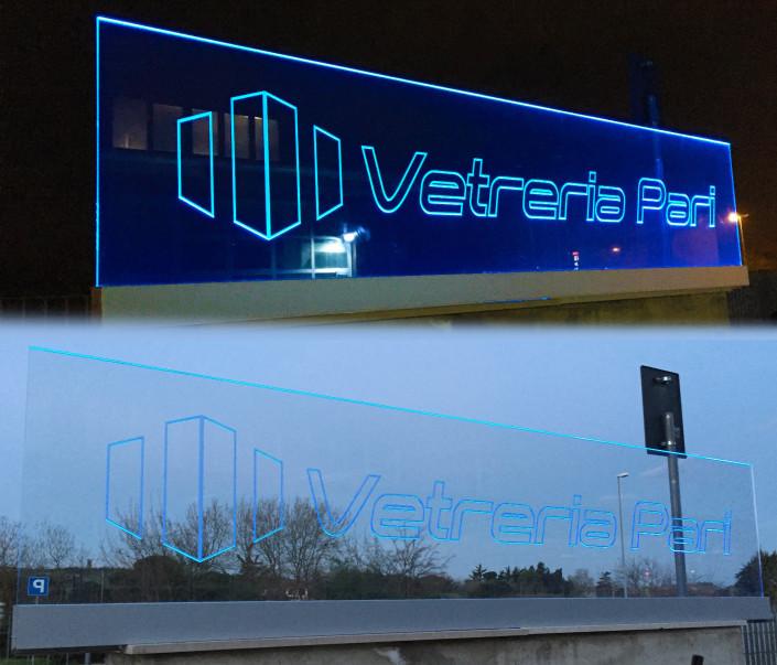Parapetto in vetro personalizzato con scritta e illuminato a LED Rimini