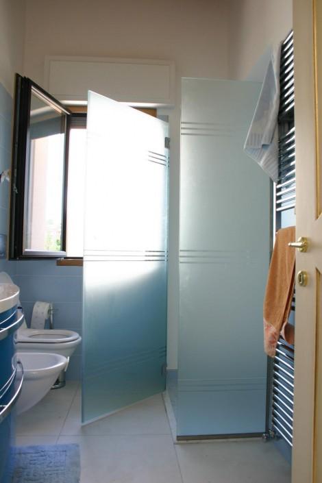 Box doccia vetro satinato con incisione Riccione