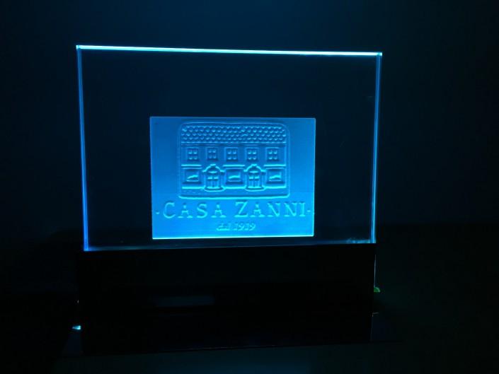 Targa in vetro illuminata a LED