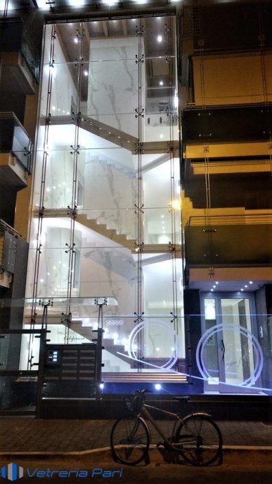 Insegna in vetro illuminata a LED Pescara
